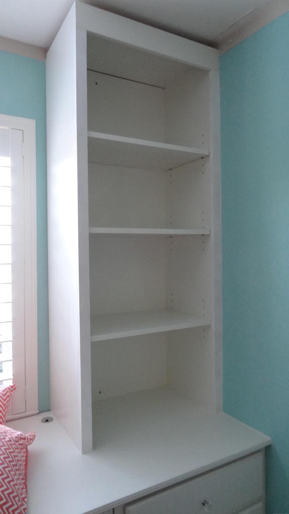 built-in bookshelves girls bedroom