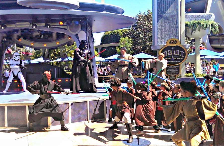 Disneyland tips and tricks jedi training academy