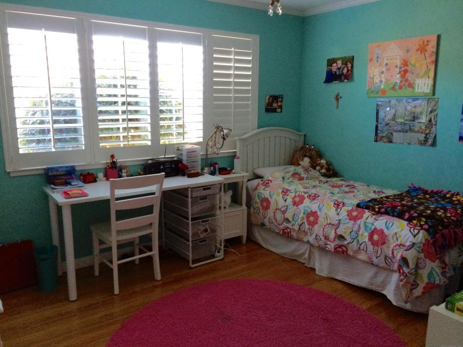 girls room makeover with built-ins