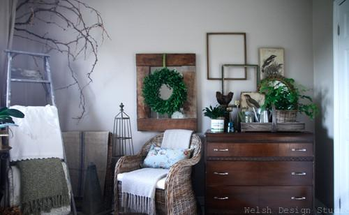 decorating with boxwood wreath