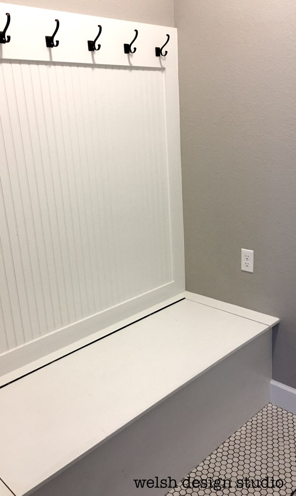 mudroom hinged bench
