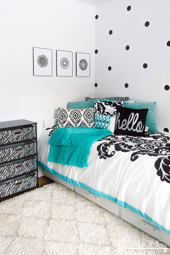 My three favorite color schemes for a girl 39 s bedroom for Black and white and turquoise bedroom ideas