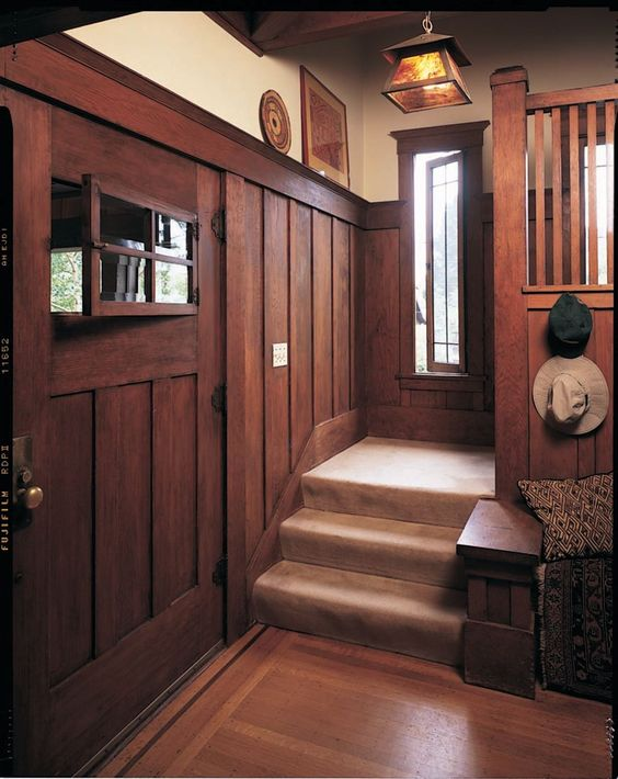 craftsman character with wainscoting
