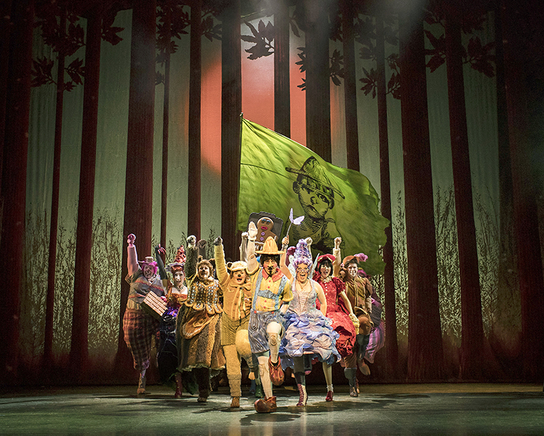 Shrek-the-Musical.-Credit-Helen-Maybanks