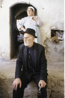 An der Grenze zu Syrien leben dieser aramäische Priester und seine Frau in einer christlichen Gemeinschaft