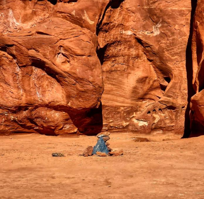 Riddles about monoliths in Utah