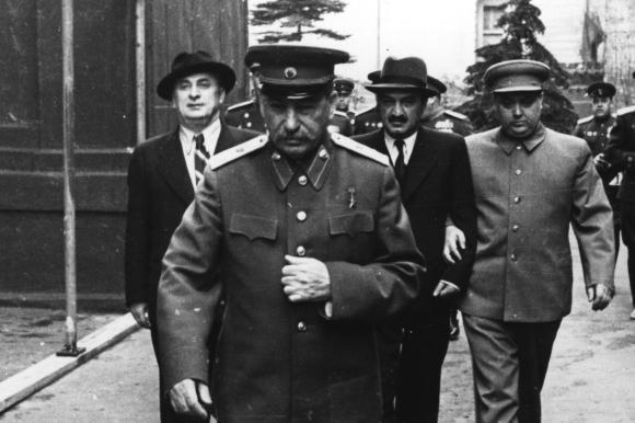 Stalin, Mikojan, Malenkow/1.Mai 1946.