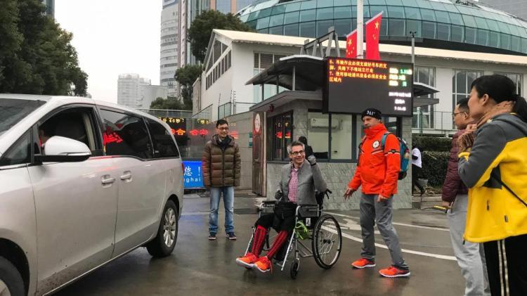 Trotz Verletzung: Hamburger Extremsportler Kai Markus erreicht Shanghai - WELT