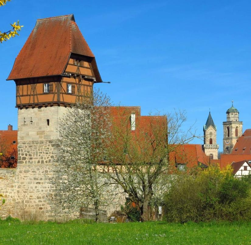 Franconia (Bavaria): The Bäuerlinsturm is the landmark of Dinkelsbühl;  it is one of 18 remaining towers