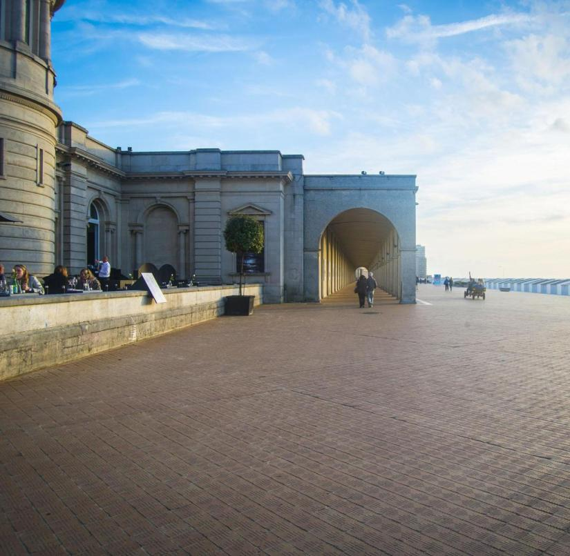 Flanders (Belgium): A long colonnade lines the historic bathing mile in Ostend
