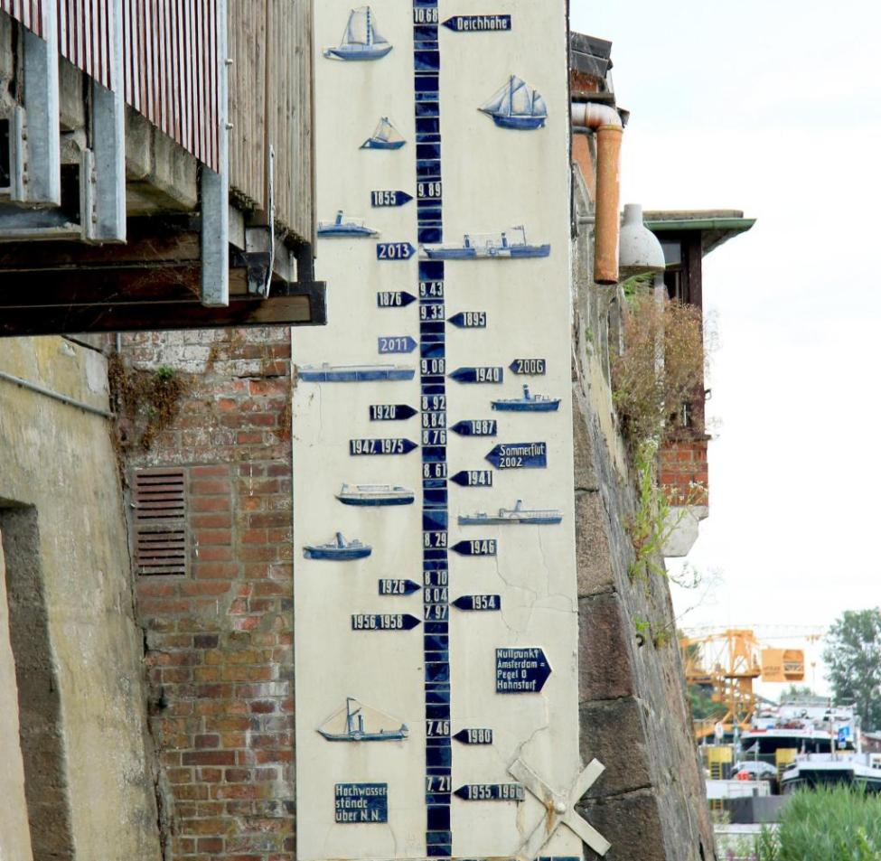 A board marks the high water levels.  2002, 2006, 2010/11 and most recently in June 2013 the Lauenburgers were up to their necks