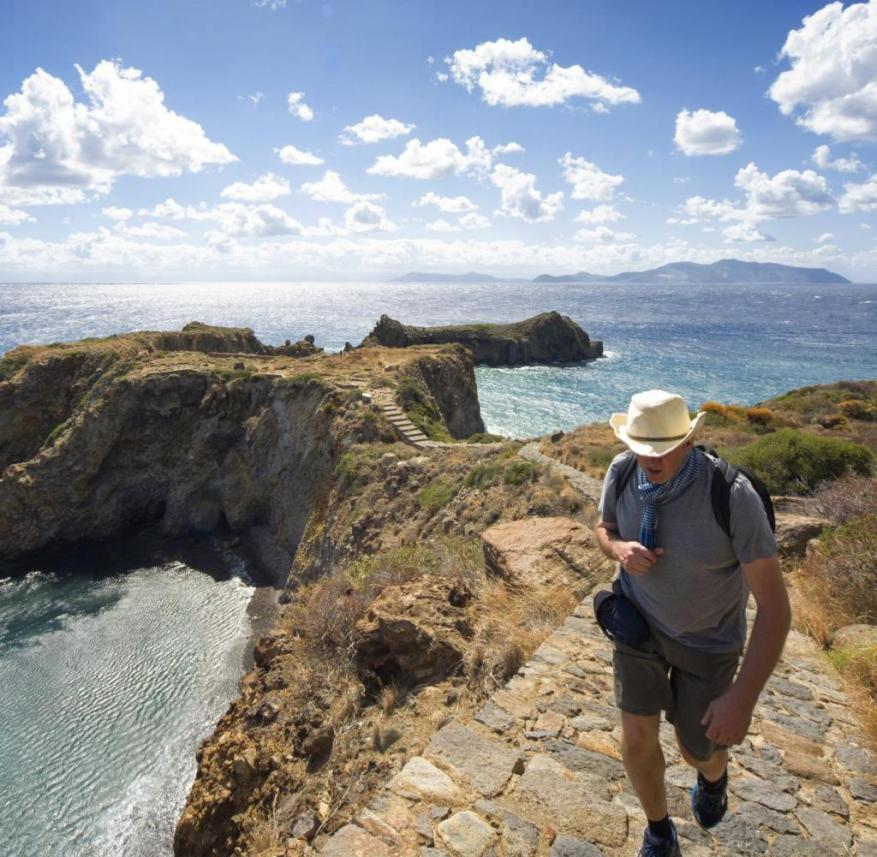 Aeolian Islands (Italy): On Panarea there are also hiking trails with breathtaking views
