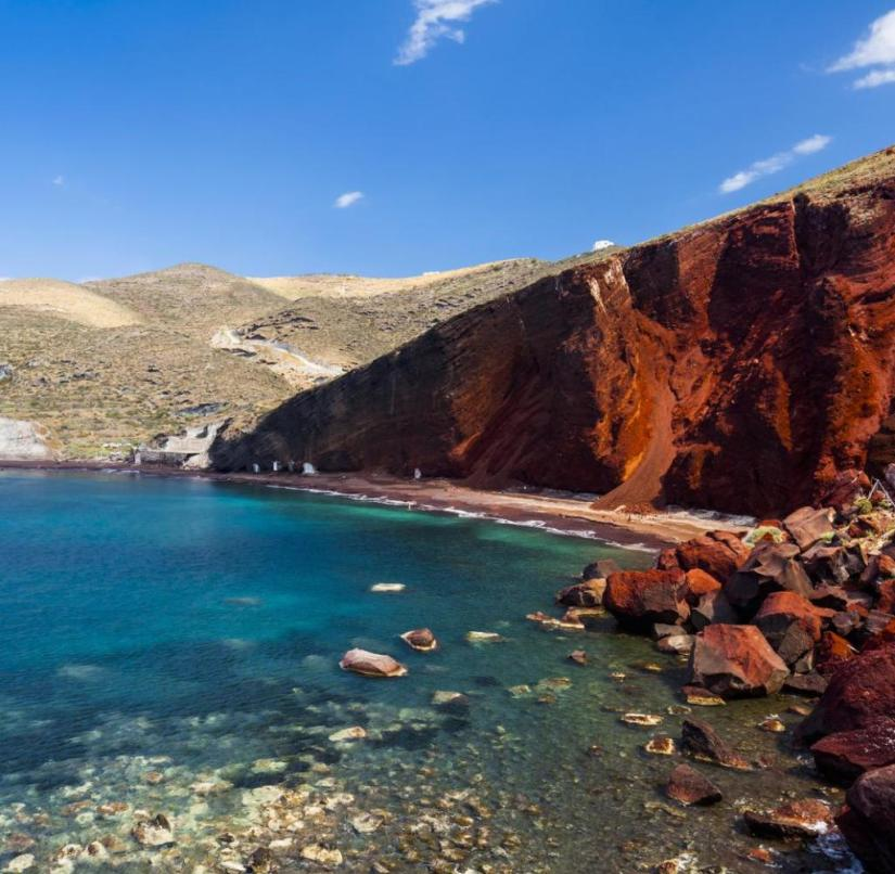Santorini (Greece): At Red Beach with its imposing red rocks, bathers can relax in the sun until the end of October