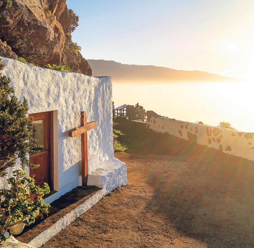 El Hierro (Canary Islands, Spain): An old hiking trail into the El Golfo valley begins at the Ermita de la Peña chapel