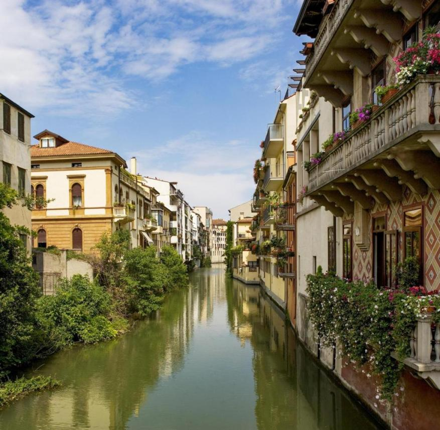 Padua (Veneto, Italy): By boat on the Piovego Canal