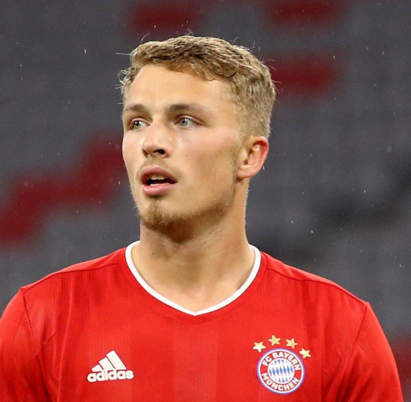 Fiete Arp came on against Düren in the 77th minute for the double goal scorer Eric-Maxim Choupo-Moting