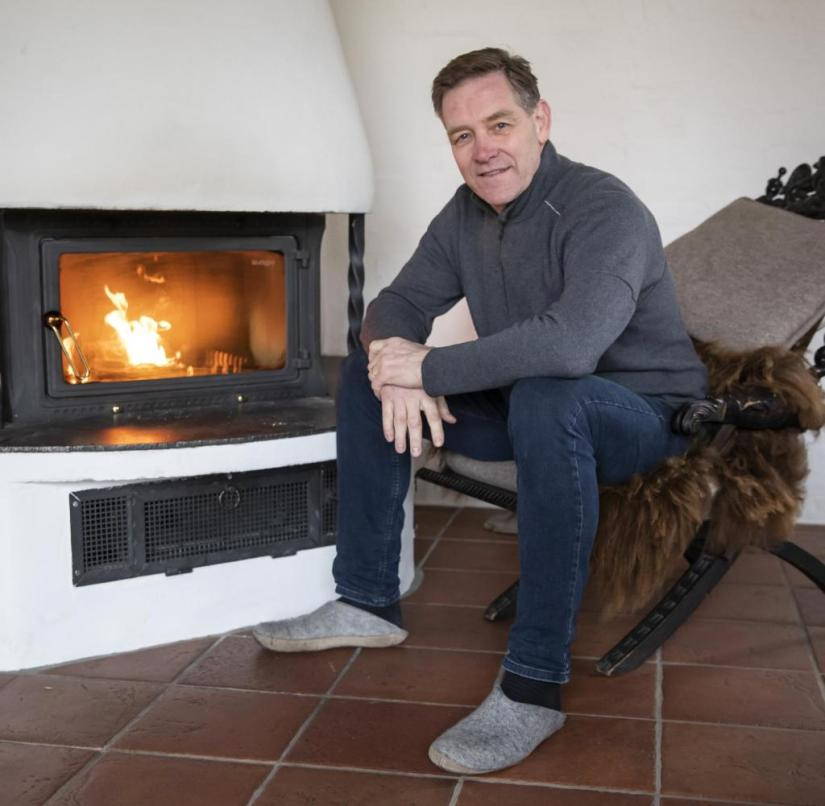 Fireside chat: Alfred Gislason, national handball coach, in his converted farmhouse in Wendgräben near Magdeburg