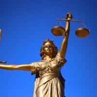 Die größten Anwaltskanzleien nach Umsatz