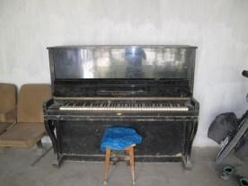 Wie kommt das Klavier in den Hinterhof?