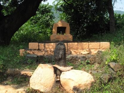 kleiner Shrine an der Straße