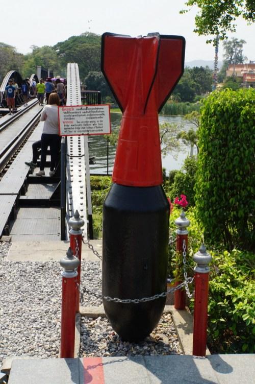 Die Brücke am River Kwai wurde, kaum fertig, von den Amis erfolgreich bombardiert.