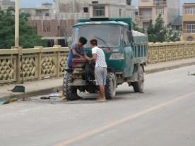 Reparatur am Straßenrand