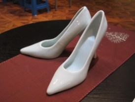 ... und (extra für Dagmar!) Schuhen aus Porzellan!