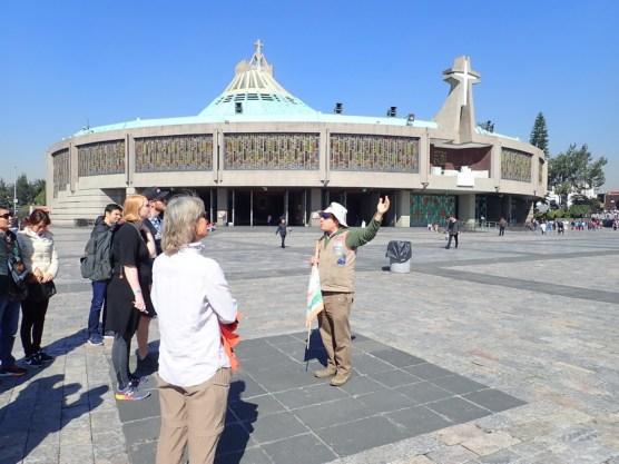 die neue Kathedrale von außen ...