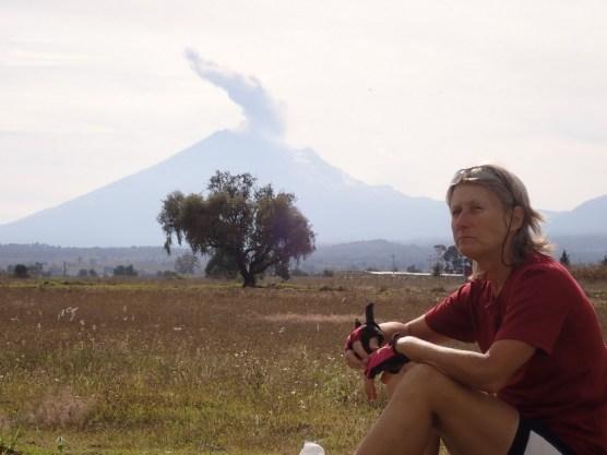 Der Popocatepetl raucht.