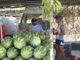 der großzügige Obsthändler