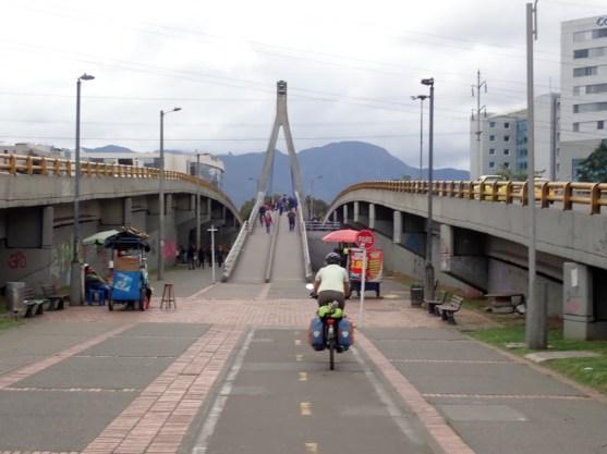 Auf der Brücke leider gemischter Fußgänger-Radlerverkehr