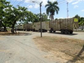 Truck mit vierAnhängern