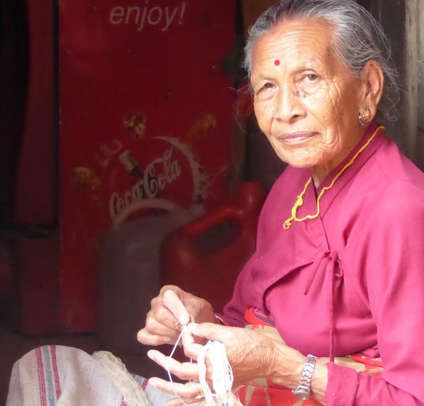 bhaktapur_frau_wolle