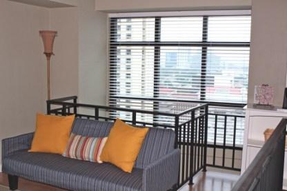 airbnb in Makati auf den Philippinen, Sofa