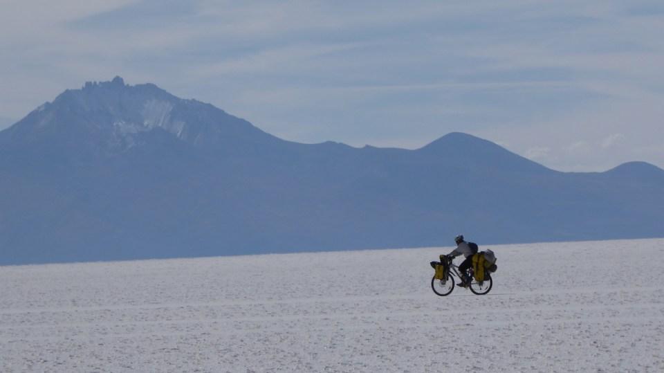 Bolivien Uyuni Biker   aufmerksam reisen