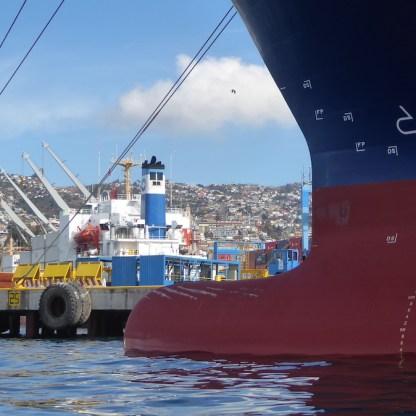 Chile-Valparaiso-Hafenrundfahrt-Tanker