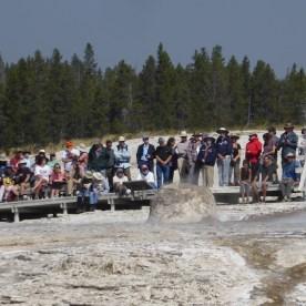 USA-Yellowstone-Nationalpark-Menschenmassen