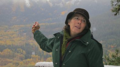 Heather A. Wallis Murphy, wildlife biologist and artist served as our field trip leader. With over 30 years of experience working in the watershed, she provided a comprehensive overview of the region's natural and cultural history.