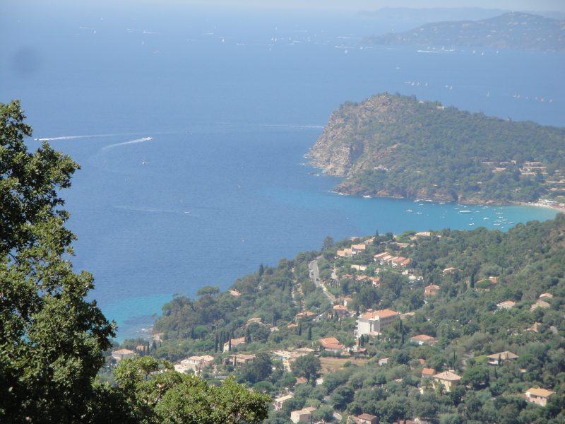 vakantiefoto zee en bergen