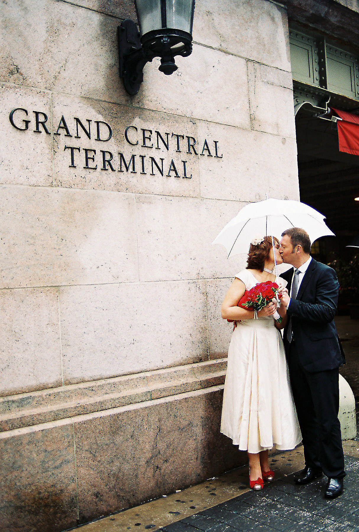 elopement wedding day photo at grand central by wendy g photography