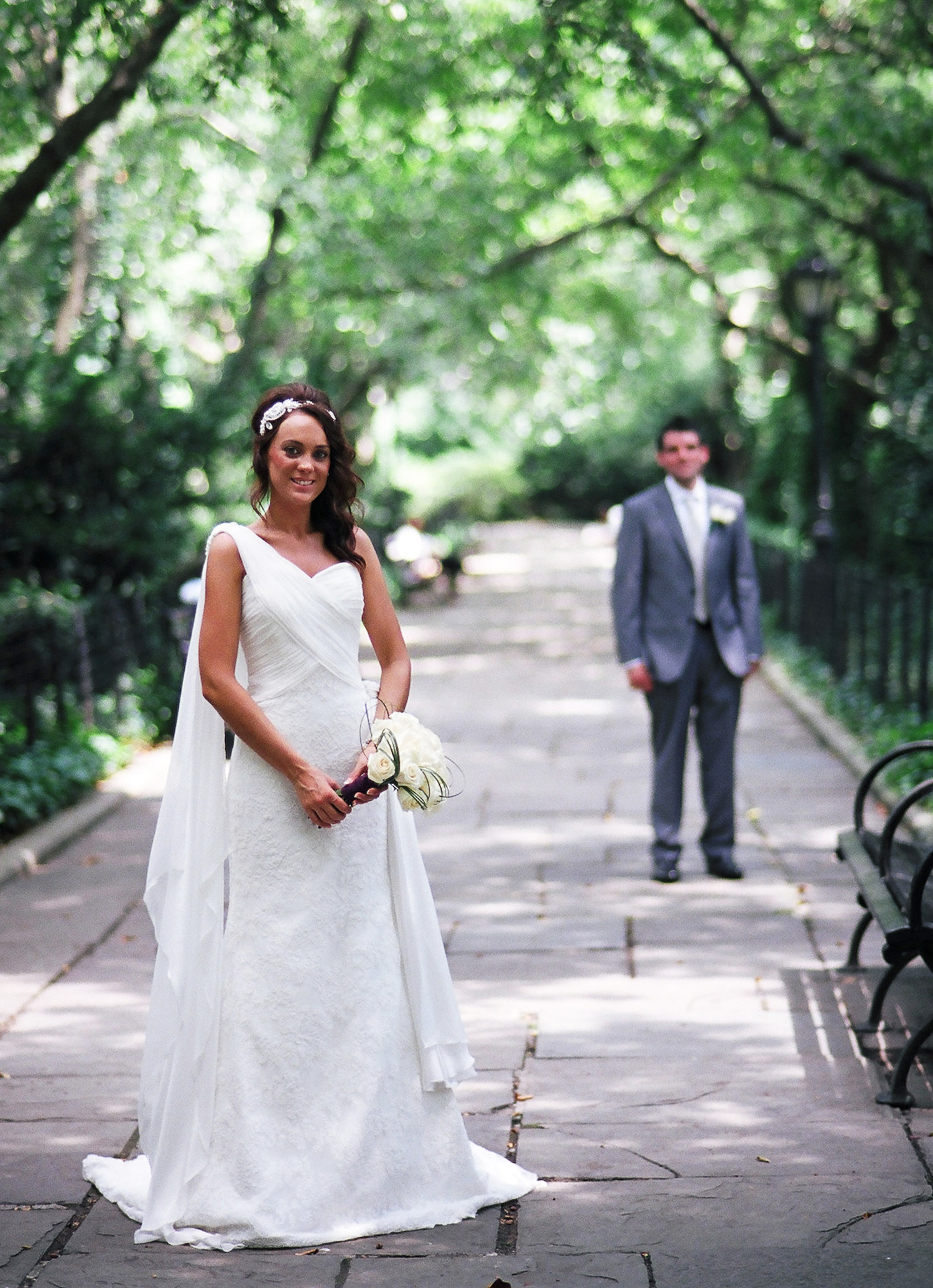 nyc conservatory garden mini wedding photo of couple by wendy g photography