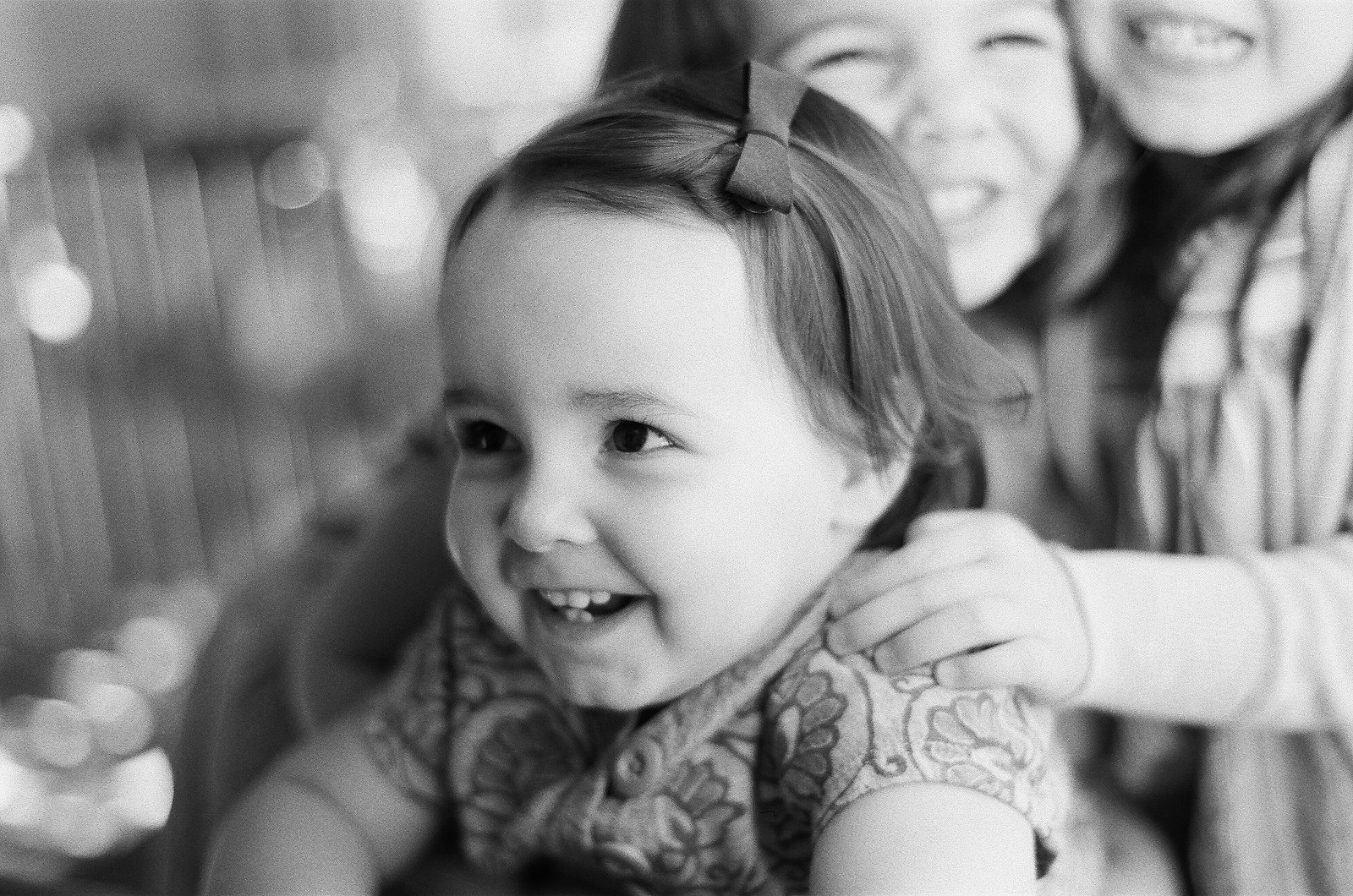 portraits of siblings on film by wendy g photography