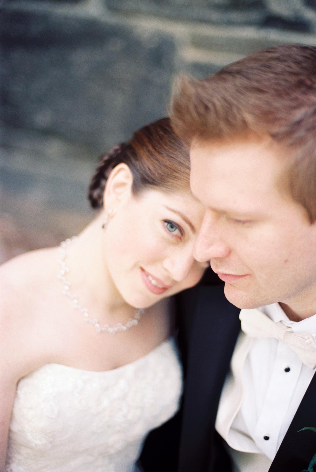 mamaroneck beach yacht club wedding couple by wendy g photography