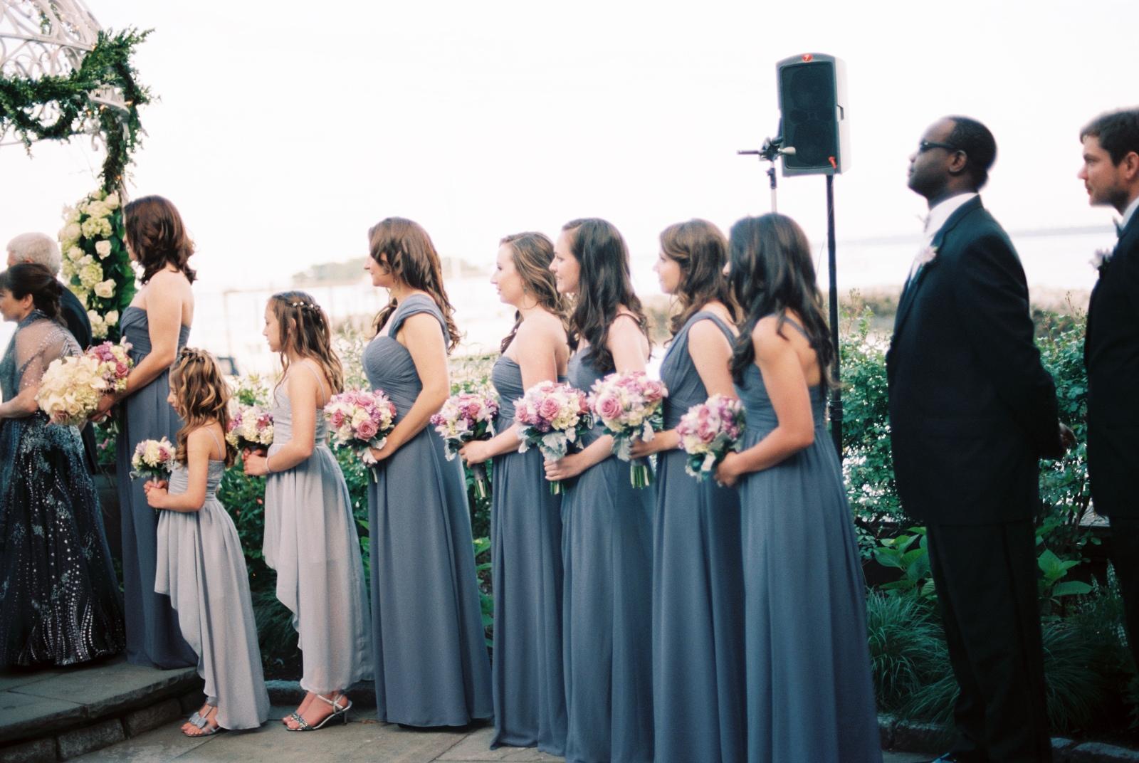 mamaroneck beach yacht club wedding ceremony by wendy g photography