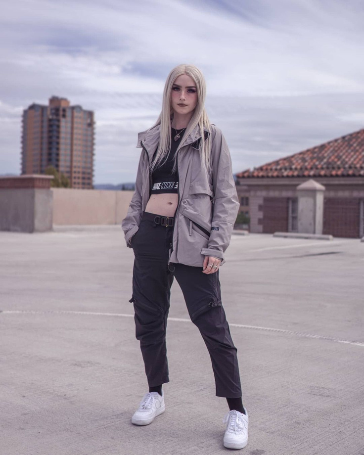 Women's Techwear Clothing
