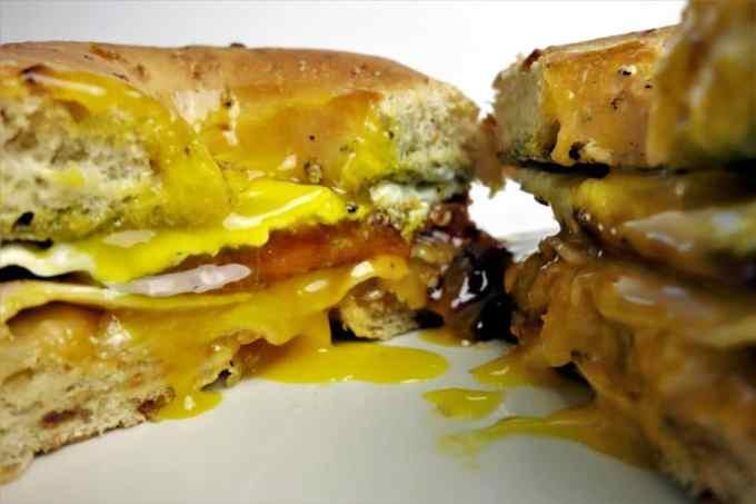 Bagel Breakfast Sandwich: The perfect easy-to-make breakfast sandwich!