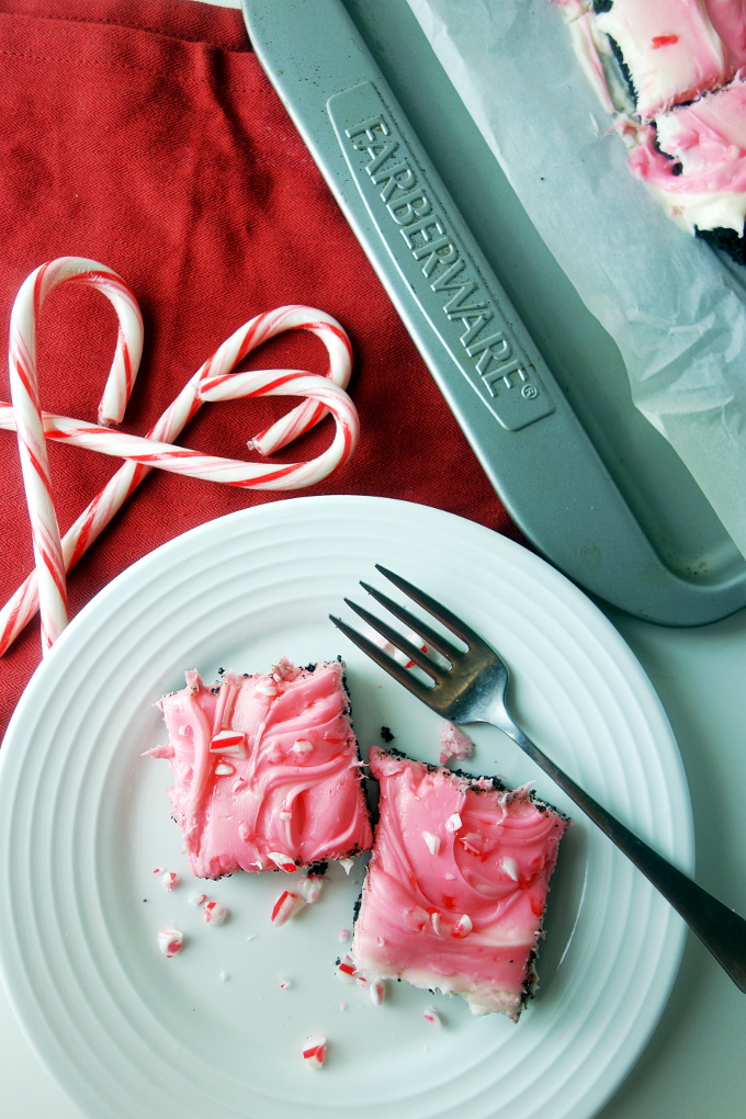 Peppermint Cheesecake Bars with Oreo Crust