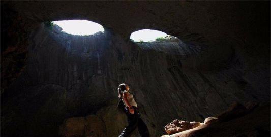 世界上最神秘的洞穴 裏麵藏有一雙巨眼(圖)