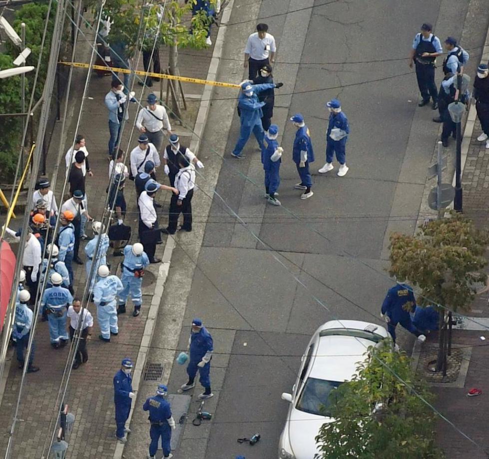 仿佛電影情節!日本黑幫火拚後續:警察包圍山口組總部(圖)
