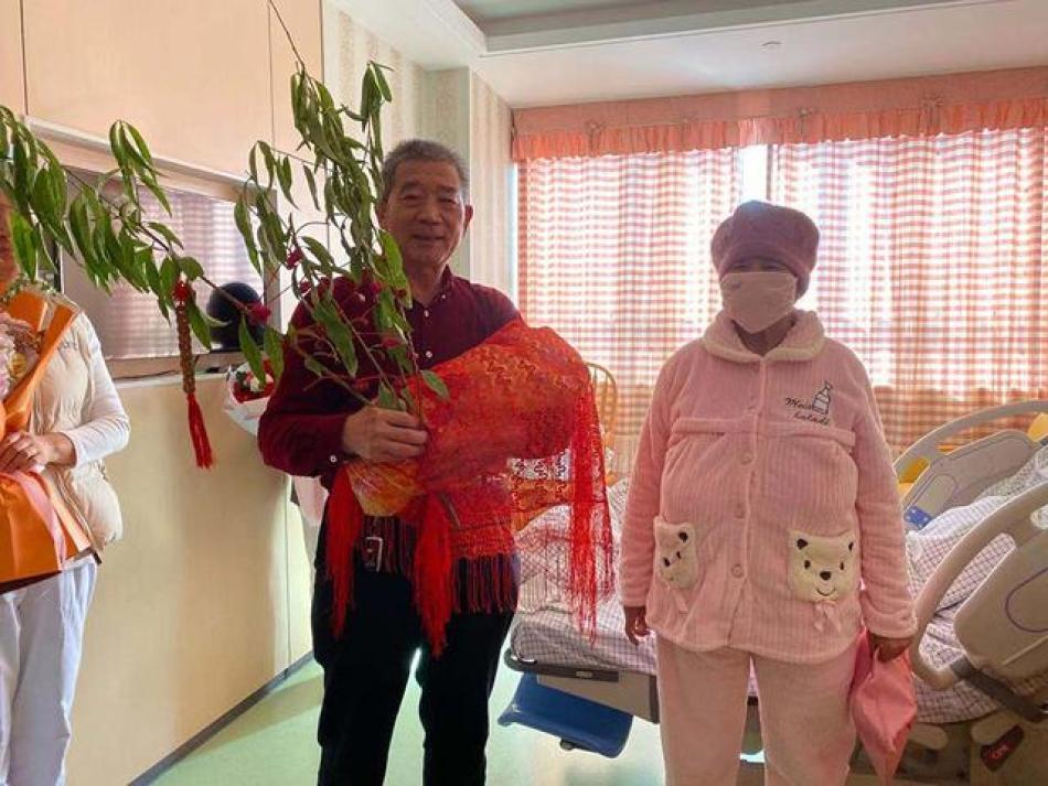 """枣庄""""67岁老妇生女""""续:孩子已落户,老夫妻或因超生被罚"""